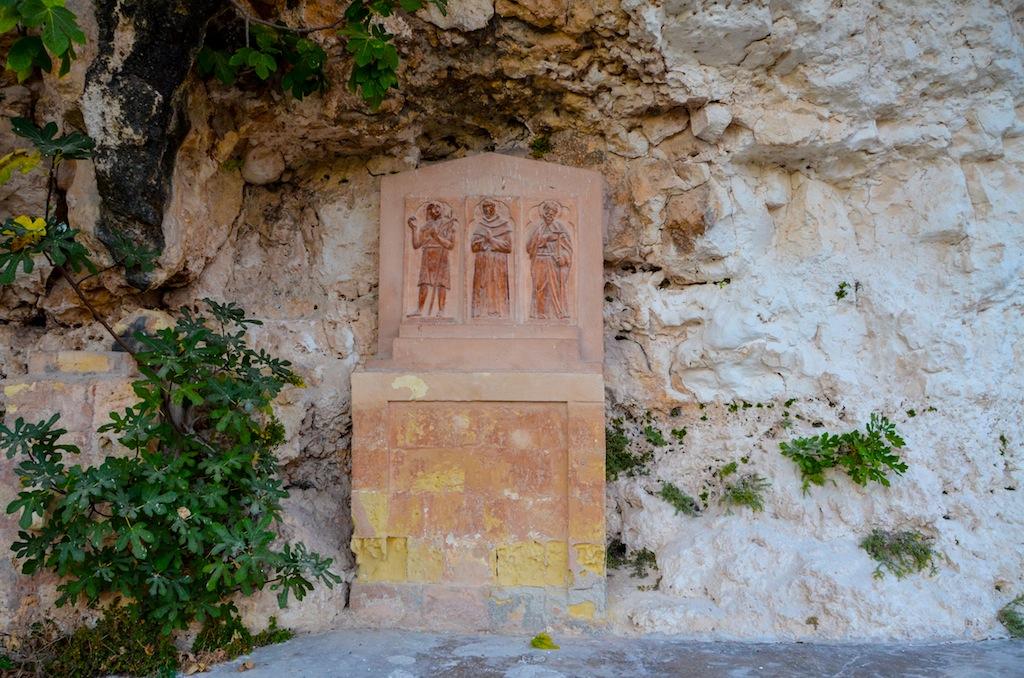 tres apóstoles cerca de capilla san pablo hermitaño
