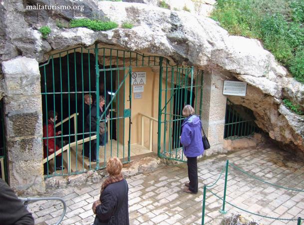 entrada a la cueva ghar dalam